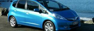 13apr honda jazz hybrid hero2 default